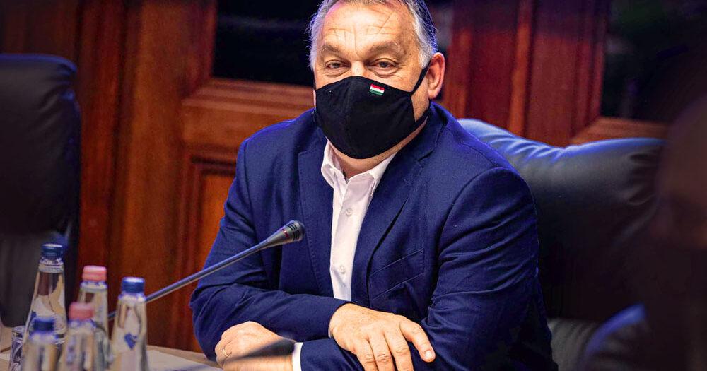 """""""Én is megkaptam az első oltást és bementem dolgozni"""" – mondta a pedagógusok oltásával kapcsolatban Orbán Viktor"""