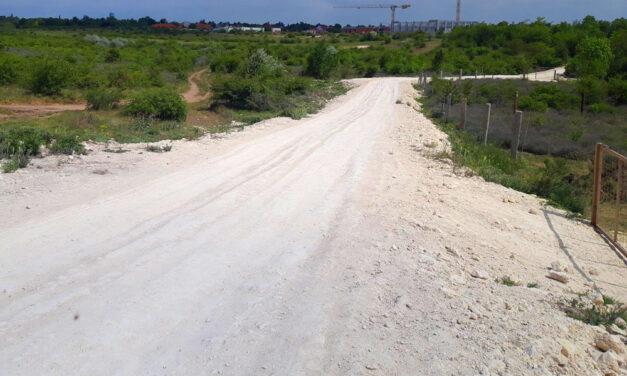Engedély nélkül épített utat a Mészáros-cég Érden, 3 hónapon belül el kell bontaniuk