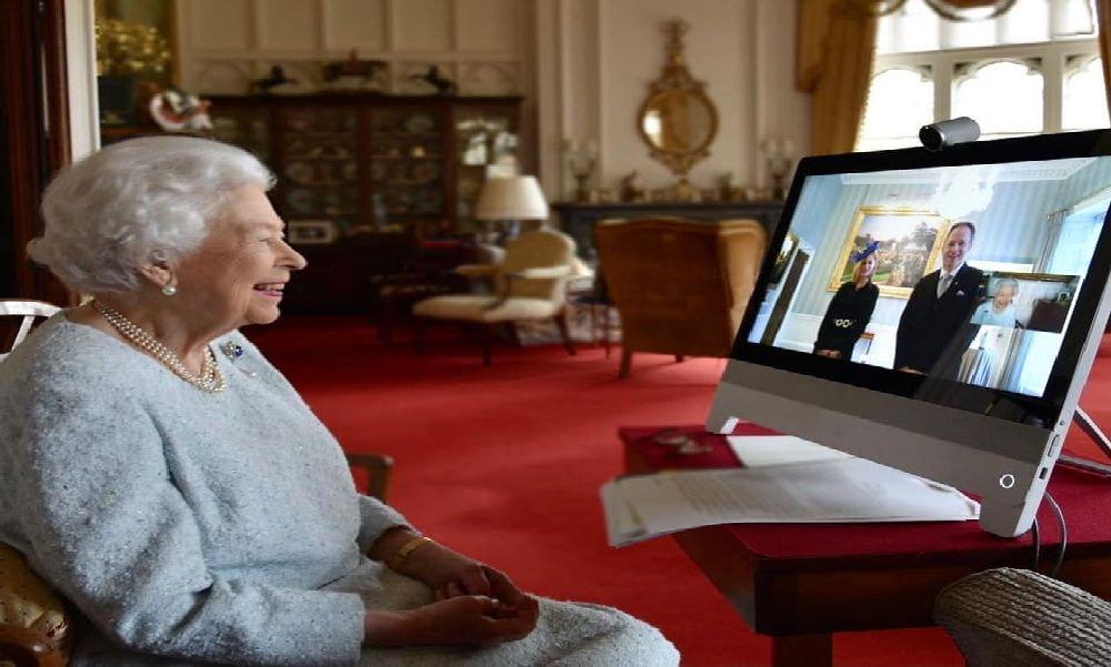 Egy érdi származású orvos professzor kap kitüntetést II. Erzsébet királynőtől