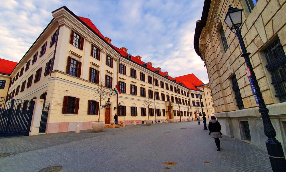 Új szabályozás: az állam elővásárlási jogot szerzett Budapest legértékesebb ingatlanjaira
