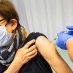 Kavarás az orosz vakcina körül! Azt állítják nem ugyanolyan összetételű szer érkezett Magyarországra, mint amit a magyar szakértők bevizsgáltak