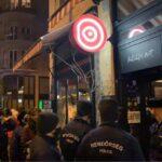 Tiltott buli a Madách téren – Lecsaptak a zsaruk az egyik szórakozóhelynél gyülekező tömegre, 60 napra lehúzatták a rolót a Központtal