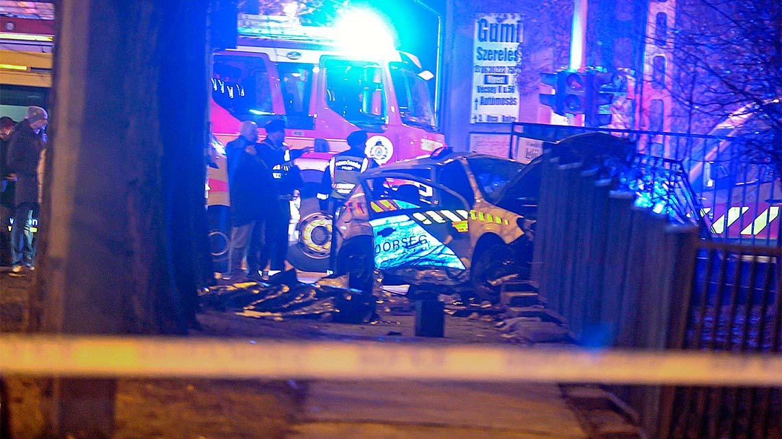 Megszületett az ítélet: bocsánatot kért az újpesti rendőrtragédia áldozatának családjától a balesetet okozó egyenruhás