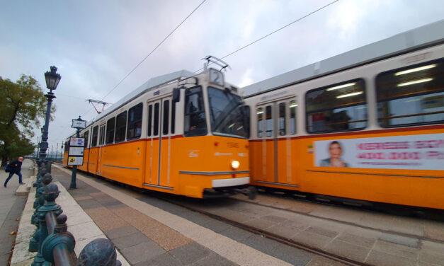 Támadás a villamoson: Megvert és kirabolt egy budapesti nőt a büntetett előéletű férfi, 17 évre ítélték a kegyetlen elkövetőt