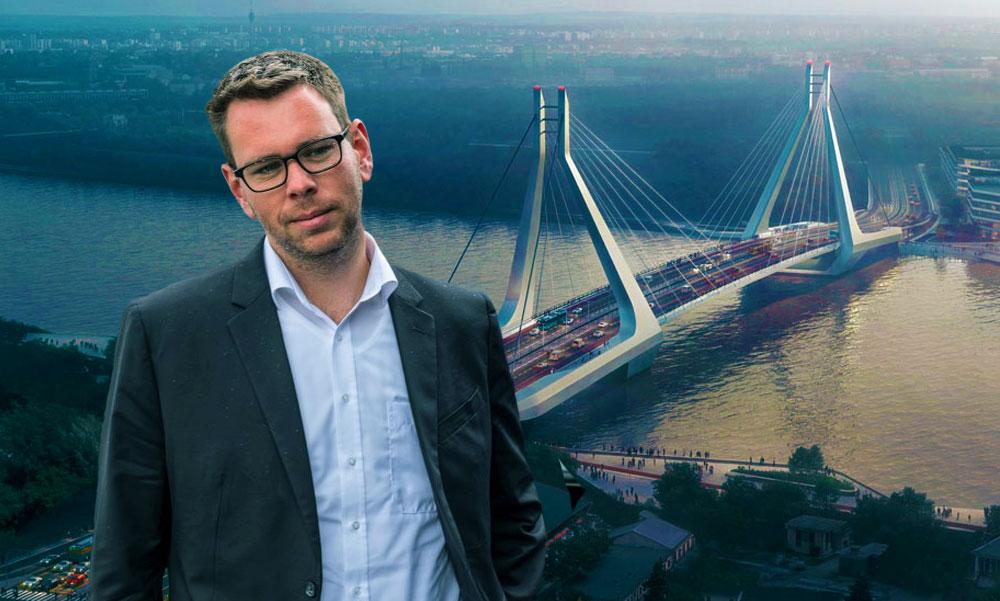 Vitézy Dávid vállon veregette Karácsony Gergelyt és örül, hogy a főpolgármester nem nyírta ki a Galvani hidat