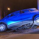 Villamos sínekre hajtott egy autós a Széll Kálmán tér közelében – fotó