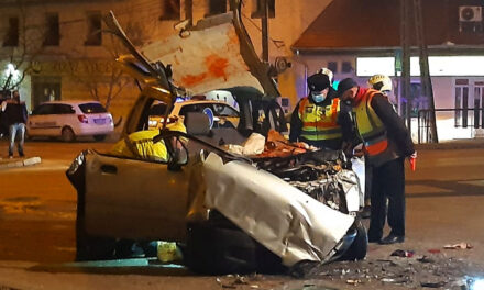 Brutális baleset Törökbálinton, pizzafutár ütközött egy busszal – helyszíni fotók