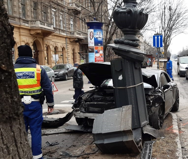 A képhez tartozó alt jellemző üres; baleset-budapest-szivutca-bpk-2.jpg a fájlnév