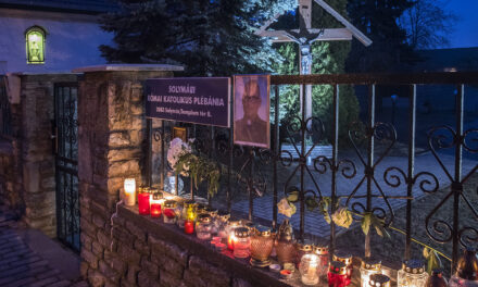 """""""Amikor isten látta, hogy az út túl hosszú, a domb túl meredek, a légzés túl nehéz lett, átölelt és azt mondta: Gyere Haza!"""" – március 4-én temetik a 40 éves korában elhunyt Csaba atyát"""