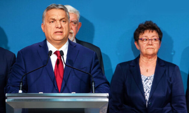 """""""Müller Cecíliában kell bízni, a magyar professzorokban kell bízni"""" – Orbán Viktor szerint az európai szakemberek semmivel sem okosabbak a magyar szakembereknél"""