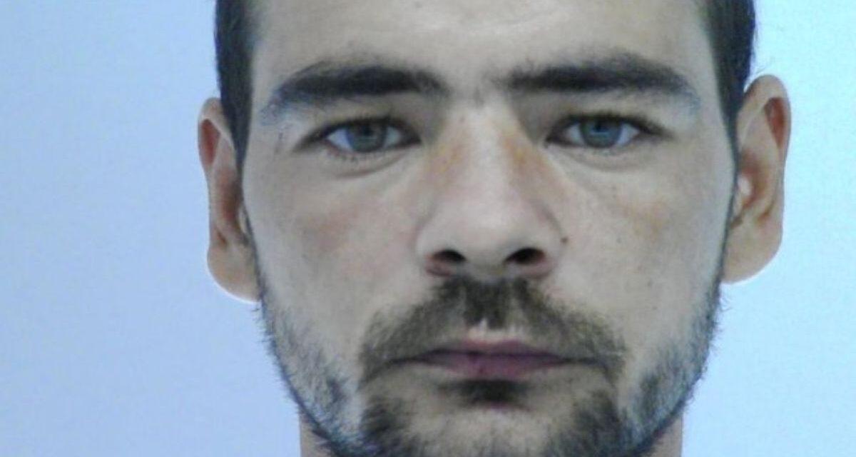 """""""Az sem zavarta, hogy a fiúk a másik ágyon voltak"""" – 7 éves kislányát molesztálta az apa, a férfit keresi a rendőrség"""