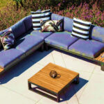 A kényelmes terasz záloga a kerti ülőgarnitúra