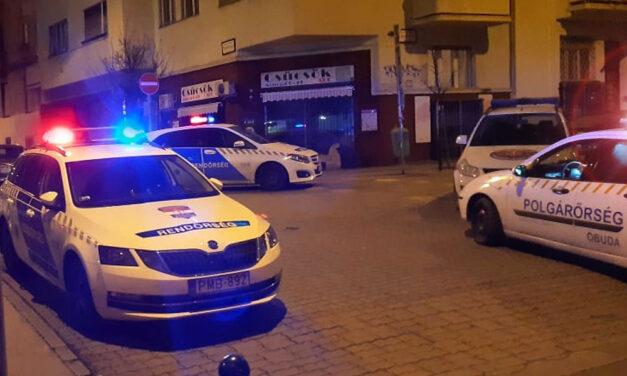 Gyilkosság a 2. kerületben: élettársával végzett egy 39 éves nő a Kapás utcában