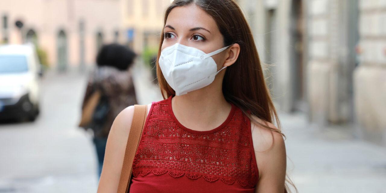 Lefosztották az emberek az FFP2-es maszkkészleteket, pedig be sem jelentették, hogy kötelező lenne