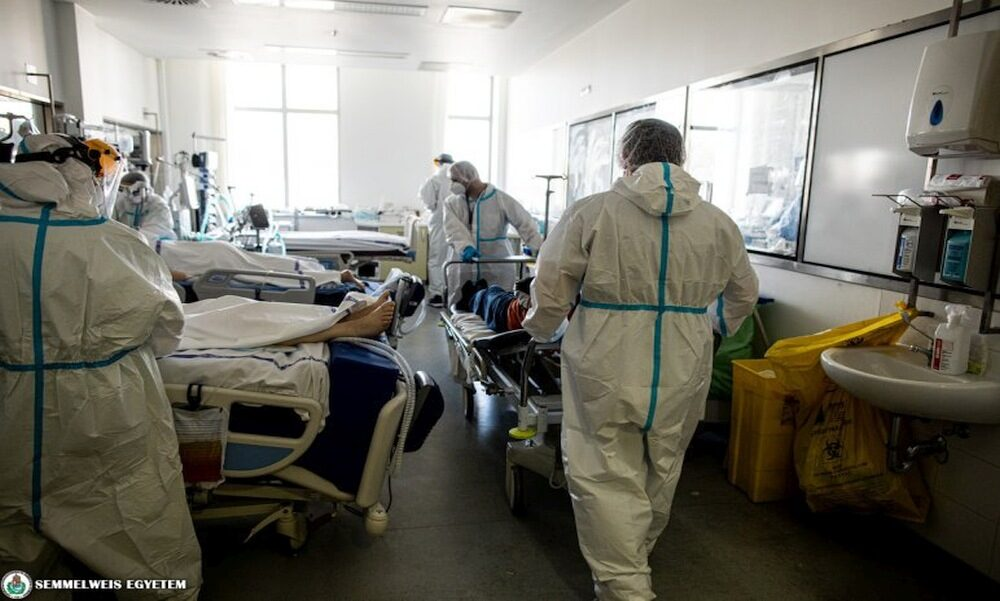 Koronavírus: több mint ezer fertőzött beteg van lélegeztetőgépen, a vendéglátósoknak szerint rá kell beszélni az alkalmazottakat az oltásra