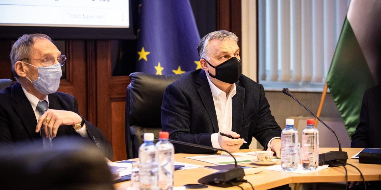 Orbán Viktor: Június 15-én lesz a foci EB, addigra mindenki, aki regisztrált, be lehet oltani, a középiskolák május 10-én nyitnak