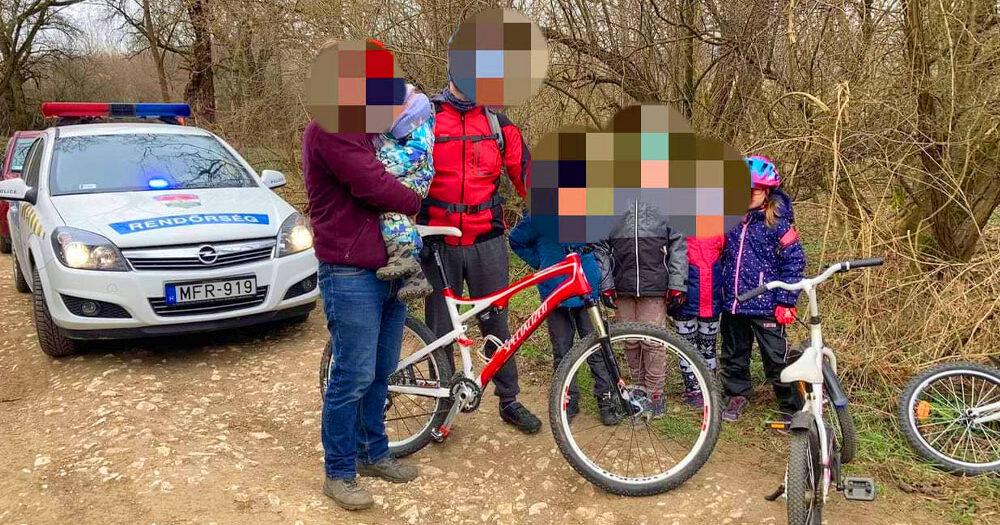 Eltűnt egy 3 éves gyerek a Pilisben: hegyi kerékpárosok találtak rá a kóborló kisgyermekre