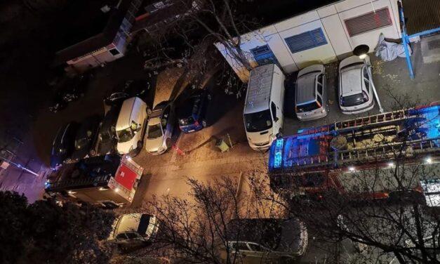 Sokkoló részletek a kispesti tragédiáról – Gyertyával világított az áldozat, majd elaludt és felcsaptak a lángok – Fotók a helyszínről
