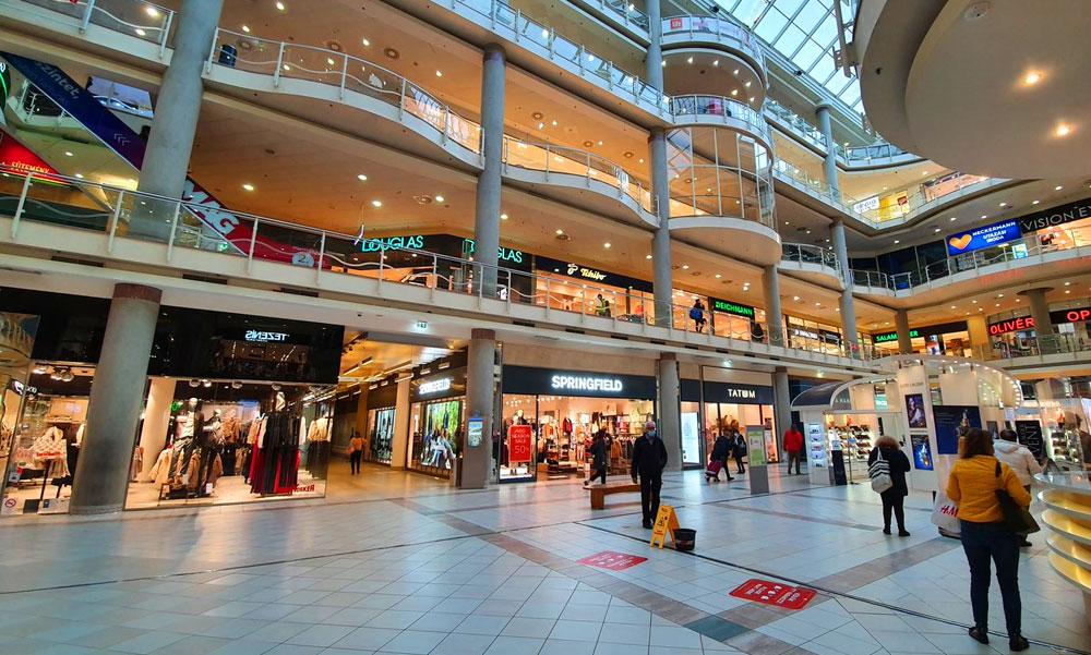 Rendeljék el a plázák, bevásárlóközpontok bezárását – kéri a Magyar Orvosi Kamara