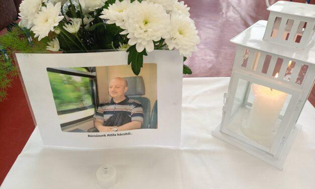"""""""Búcsúzunk Attila bácsitól"""" – az iskolából vitte el a mentő a budapesti tanítót, másnap koronavírus miatt meghalt a pedagógus"""