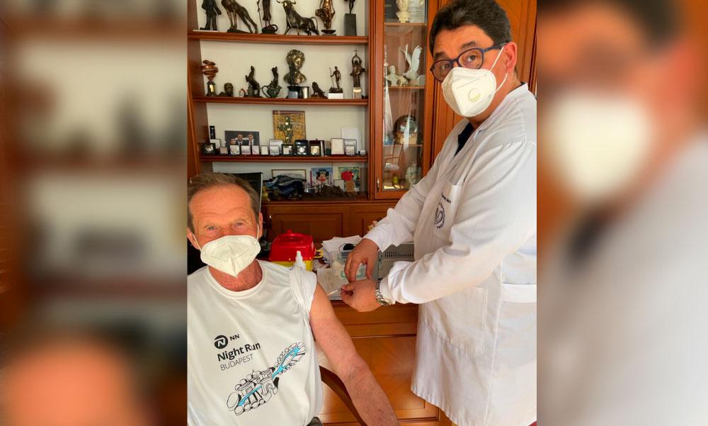 Merkely Béla Szputnyik vakcinával oltotta be az édesapját