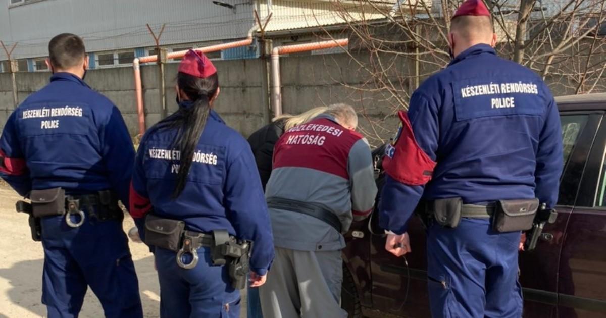 Újabb vizsgabiztosak buktak le: vesztegetési pénzt fogadtak el a Pest megyei műszaki vizsgaállomáson