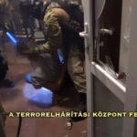 Alsónadrágban teperték a földre a drogdílereket a rendőrség kommandósai