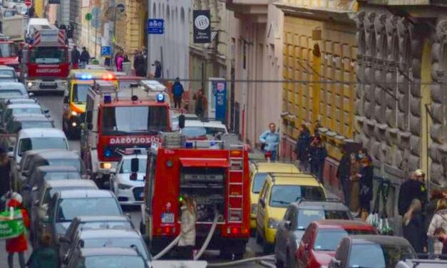 Halálos lakástűz a belvárosban, a Csengery utcai házban mindenkinek el kellet hagyni az épületet