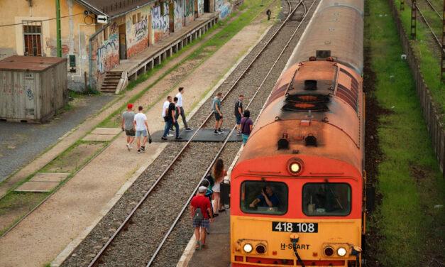 Indul két lepattant agglomerációs vasútvonal felújítása, ha kész lesz, nagyon fogod szeretni