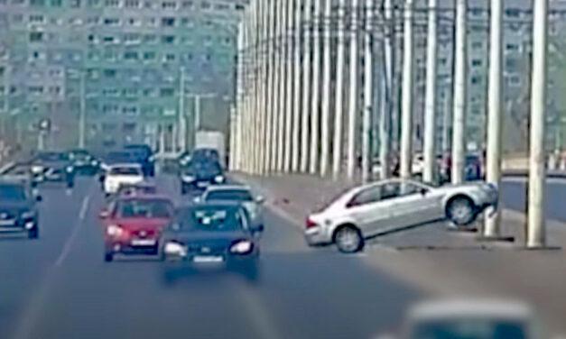 Elfogták a cserbenhagyó sofőrt, aki lelépett, miután óriási balesetet okozott az Árpád hídon