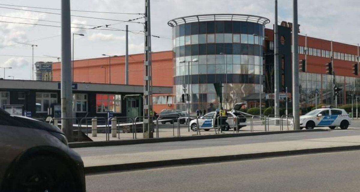 Rendőrök lepték el a helyszínt – Lövés dördült a Soroksári úton – fotók