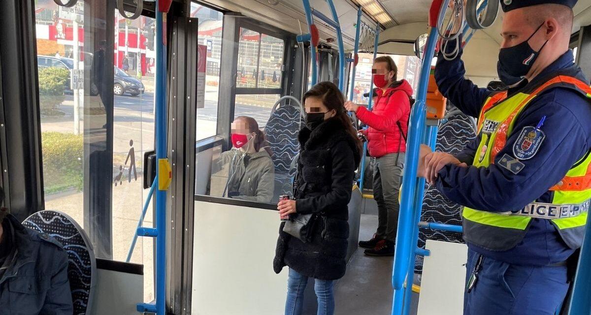 Szigorúan ellenőrzött autóbuszok Budapesten: 2 nap alatt 50 esetben intézkedtek rendőrök és a BKK munkatársai