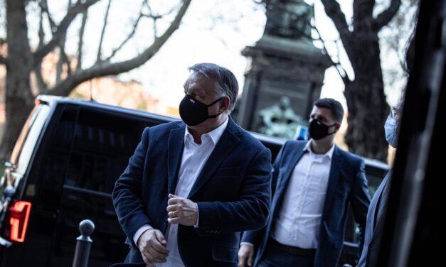 Orbán Viktor: jövő hét közepén nyithatnak az állatkertek, színházak,  szállodák, edzőtermek, de csak védettségi igazolvánnyal lesznek látogathatók
