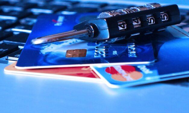 Nem pihennek a csalók: a posta nevében vernek át adathalász e-mailekkel