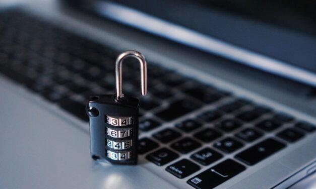 Vigyázzon: ismét adathalász e-mailekkel próbálnak hozzáférni a banki adatokhoz a csalók
