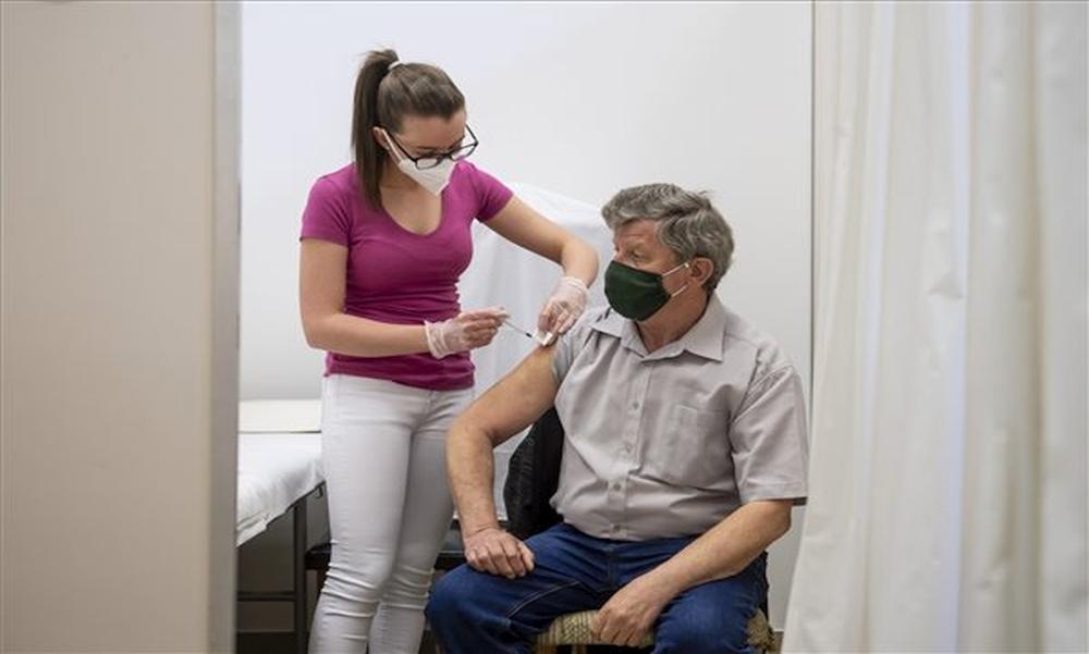Változatlanul sokan halnak bele a koronavírusba: 2800 alatt a fertőzöttek száma, de elhunyt 212 beteg