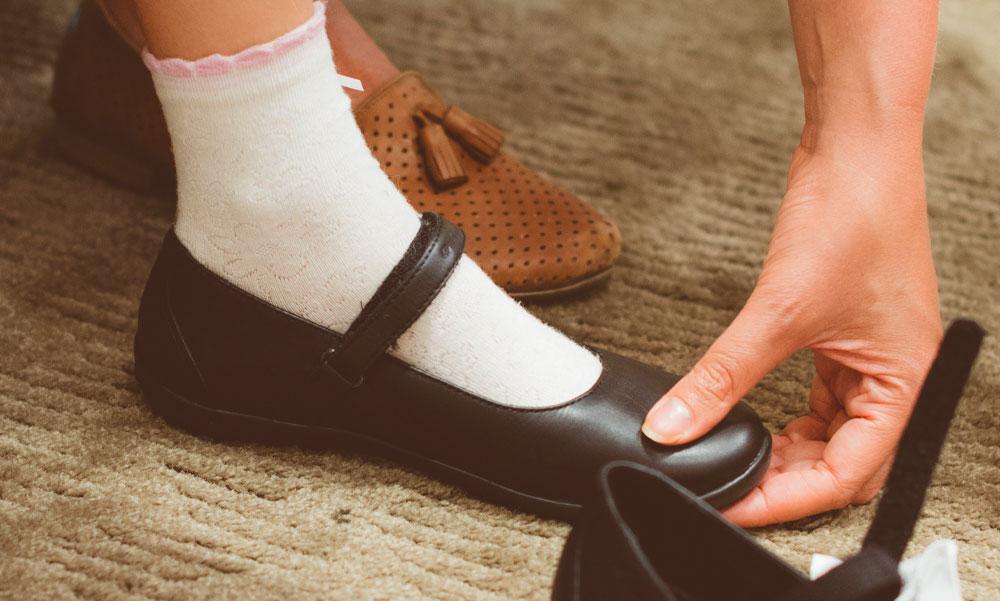 Biztosan nem szorít a cipőd, gyönyörűm?