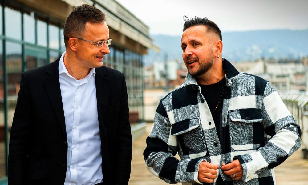 Majka a külügyminisztériumban haverozott Szijjártó Péter miniszterrel, üzenetet vitt a zenészektől
