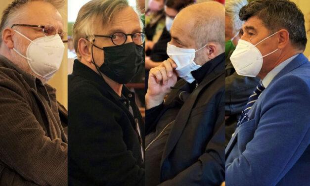 Az újranyitásról egyeztettek a budapesti színházak igazgatói a Városházán, régen láttunk ennyi ismert színészt együtt
