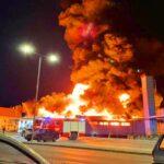 """""""Félelmetes volt látni, milyen gyorsan terjed a tűz"""" – mondja Szentendre polgármestere, aki a helyszínen figyelte a Spar oltását"""