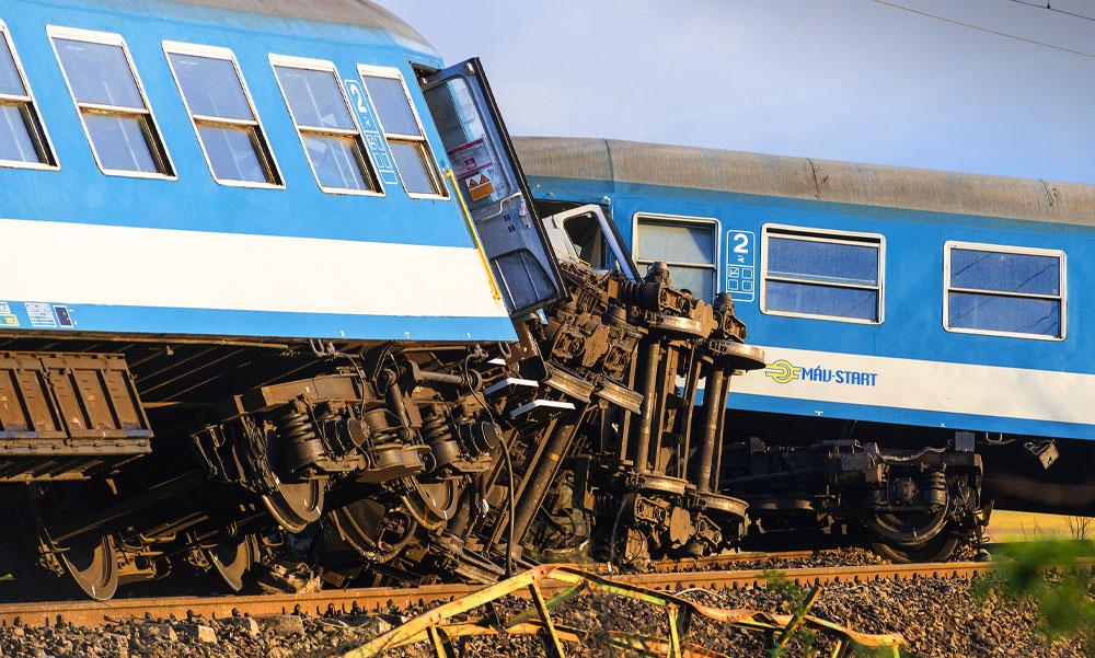 Fekete nap a MÁV-nál, egy nap alatt három halálos baleset, kisiklott vonatok, gyász