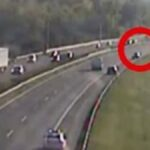 Hát ilyen nincs! Már megint a forgalommal szemben autózott egy kocsi az autópályán, ezúttal az M3-ason – Videón a képtelen manőver