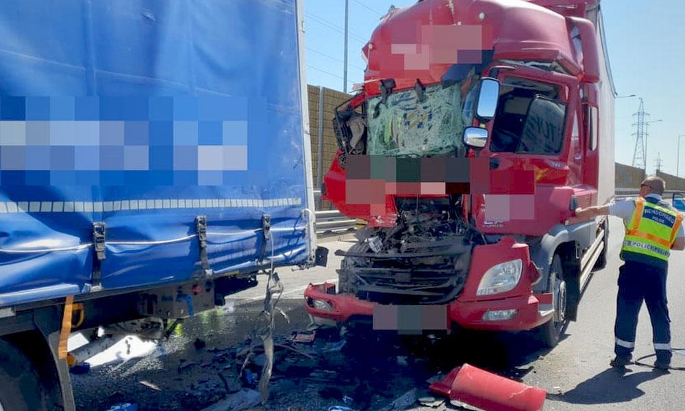 Több kamion ütközött az M0-án, 8 km-es torlódás alakult ki