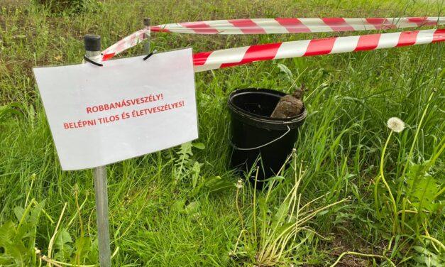 Bombát találtak az egyik piliscsabai lakópark udvarán, a robbanótestre az ott játszó gyerekek lettek figyelmesek