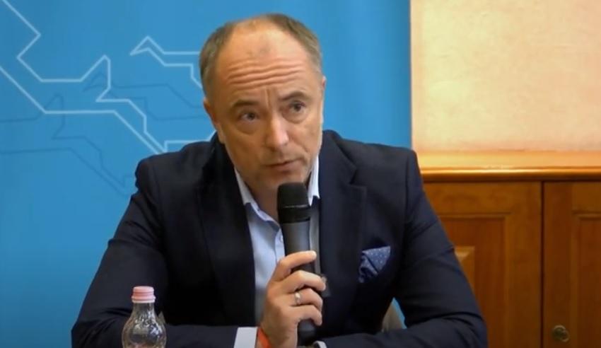 Szájer Józsefhez hasonló életet élhetett a thaiföldi magyar nagykövet – Kirúgta a külügyminisztérium