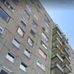 A tízemeletes ház tetőpárkányán ült egy férfi Kispesten, a rendőrök mentették meg az életét