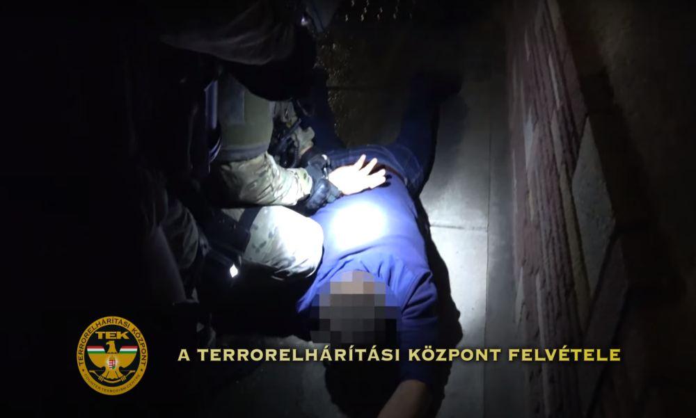 Letartóztatták a férfit, aki túszul ejtette és összeverte a feleségét Nagykőrösön