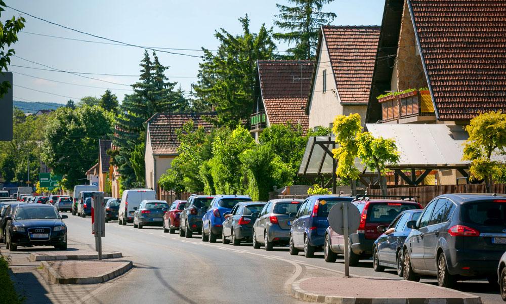 Elég volt az autósokból: radikális útlezárásokra készülnek Budakalászon, az agglomerációban máshol is kedvet kaphatnak ehhez