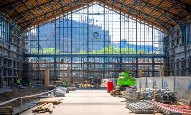 Ez történik most a Nyugati pályaudvaron: Az ország legforgalmasabb vasútállomását szétkapták, hogy megszépüljön
