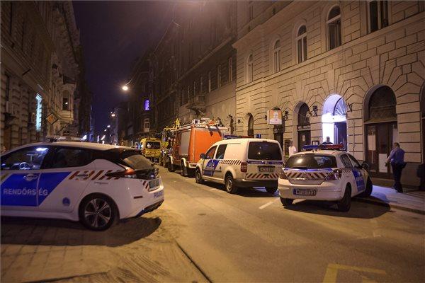Egy háziorvos, a felesége és két gyermeke halt meg szén-monoxid mérgezésben Budapesten, a család már több napja halott lehetett, a doktort a főnöke kerestette